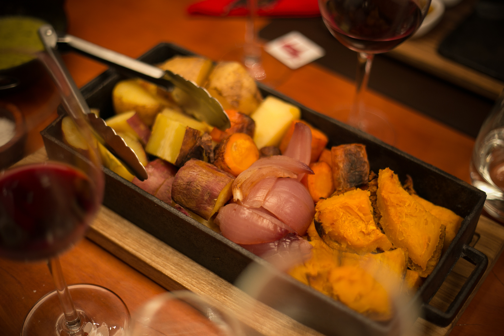 E para acompanhar o bife de chorizo uma mistura de vegetais preparadas no estilo gaucho