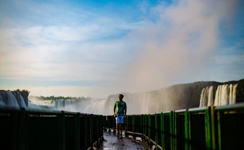 As primeiras luzes nas Cataratas doIguaçu